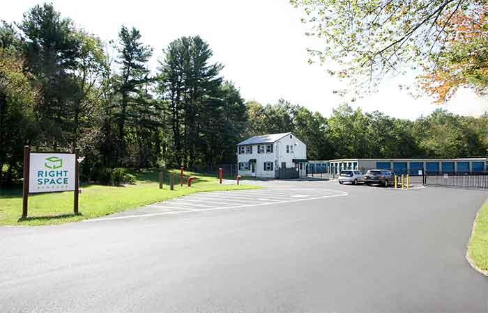 59 Mo Storage Units In Derry Nh Pay 0 Rent 1st Month